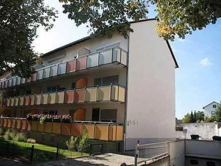 Gut geschnittene zwei Zimmer Dachgeschosswohnung in Kaiserslautern, Innenstadt