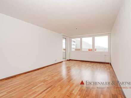 Großzügige 3 Zimmer-Wohnung mit tollem Ausblick, Sauna, Einbauküche und TG-Stellplatz.