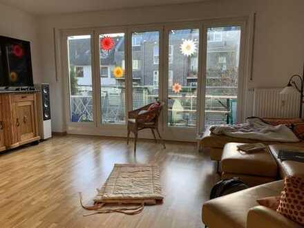 1.095 €, 90 m², 3 Zimmer