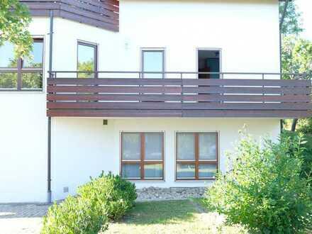 Freundliche 4-Zimmer-Wohnung in Weissach mit EBK und Balkon!