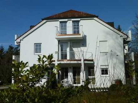 Stilvolle, gepflegte 2-Zimmer-Wohnung mit Balkon und EBK in München (Kreis)