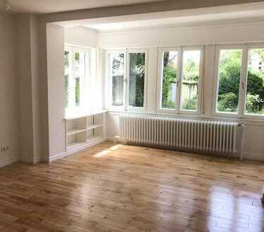 Hochwertig sanierte 2-Zimmer-Wohnung mit Garten im Komponistenviertel zu vermieten!