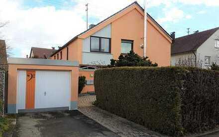 ***Reserviert*** Generationenhaus mit zwei Wohnungen, Garten und Garage in Ehningen