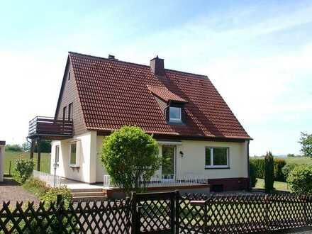 POCHERT IMMOBILIEN - Schönes freistehendes Einfamilienhaus mit großem Sonnengarten