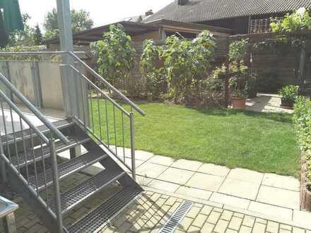 3 Zimmer Wohnung mit Riesengarten im kernsanierten Haus in S-Stammheim
