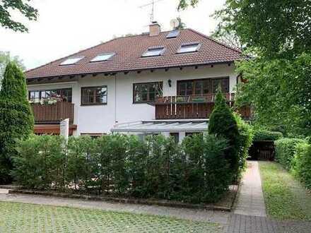 Brück Immobilien - Attraktive 3,5 Zi.-Maisonettewohnung mit Galerie, Südbalkon und Gartenanteil