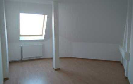 geräumige 3 Raumwohnung im Dachgeschoss