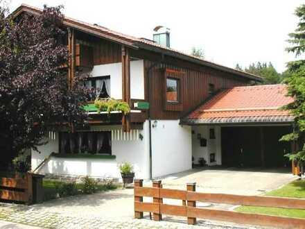 Gepflegte Wohnung mit vier Zimmern und Balkon in Buchenberg Ahegg