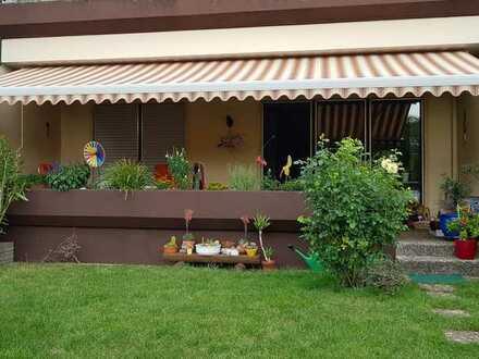 Renovierte Hochparterre-Wohnung mit vier Zimmern, Hobbyraum, Keller & Balkon in Hersbruck