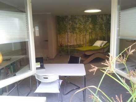 Schönen Praxis-/Büroraum mit Praxisnutzung (Bad, Teeküche etc.) zu vermieten
