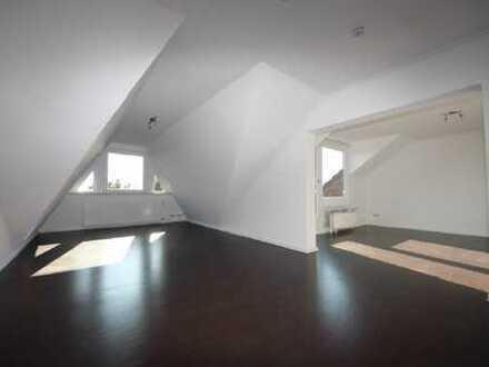 Ganz neu in der Vermietung: Dachgeschoss-Wohnung mit sonnigem Balkon