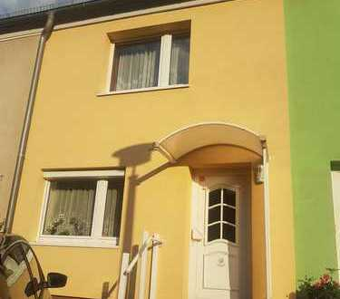 Schönes Haus mit vier Zimmern in Berlin, Adlershof (Treptow)