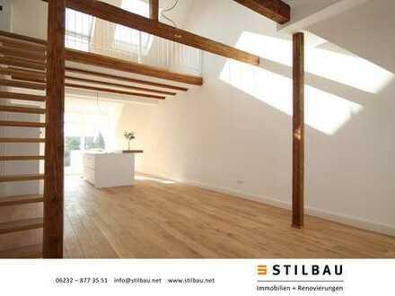STILBAU bietet an: Zentrumsnahe hochwertig sanierte Dachgeschoss-/Maisonettewohnung in 3-Fam.Haus