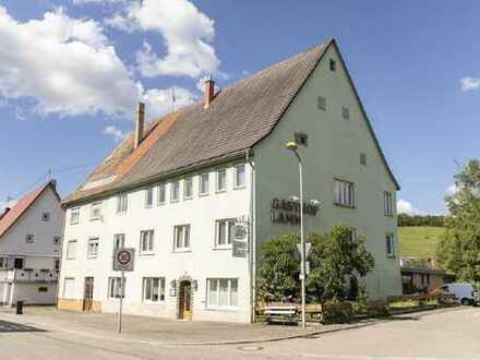 Markanter Landgasthof mit Kegelbahnen