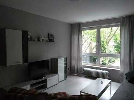 Suche Nachmieter für sanierte 2-Zimmer-Wohnung mit Balkon und EBK in Ehrenfeld, Köln.