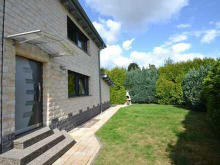 Kernsanierte Doppelhaushälfte mit Kamin, Terrasse & Garten in Hilden-Nord!