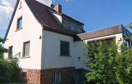 Gemütliches, geräumiges, renovierungsbedürftiges Haus in Aschaffenburg, Nilkheim ca. 780qm Grund
