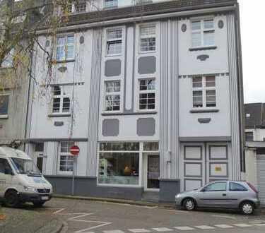 Licht durchflutete 3-Zimmer-Wohnung mit Balkon in Krefeld ab sofort beziehbar!