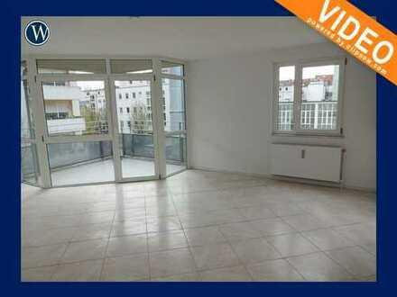 Wohnen in Ehrenfeld!! 3-Zimmer-Wohnung mit Süd-Balkon, renoviert + Fliesenboden, Aufzug