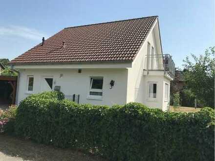Schönes, modernes Haus mit vier Zimmern in Lehrte (Hämelerwald)