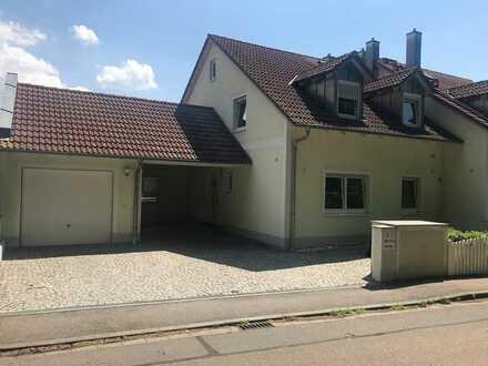 Preiswertes, großes und neuwertiges Haus mit acht Zimmern in Regendorf