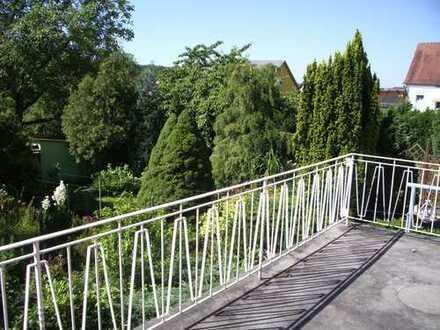 Erdgeschoss Mietwohnung mit Balkon und KFZ-Stellplatz