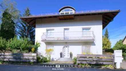Frank & Frank - Zwei Wohnungen mit zwei Eingängen im Dachgeschoss - viel Platz für die Familie!