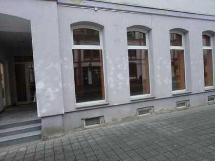 Kleiner Laden am Neumarkt