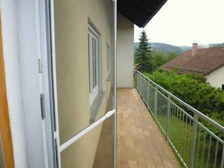 4-Zimmerwohnung EG mit großem Balkon im 4- Parteienhaus zu vermieten