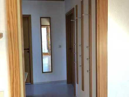 Helle 2-Zimmer-DG-Whg. mit Balkon und EBK in Weissach-Flacht