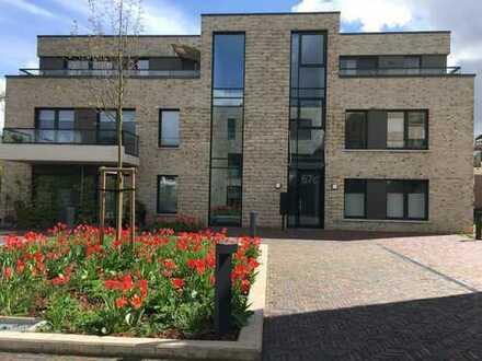 Zentrale und ruhige 3 ZKB Erdgeschoss Wohnung mit Terrasse und TG-Stellplatz