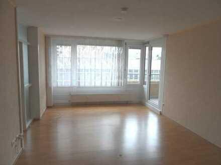 Schön geschnittene und zentral gelegene 2,5 Zimmer Wohnung in Leonberg