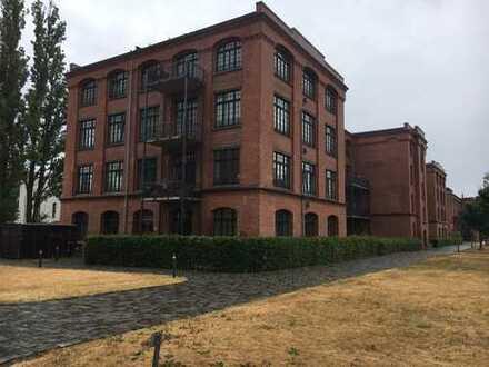 Neuwertige 3-Zimmer-Dachgeschosswohnung mit Balkon und EBK in Leipzig
