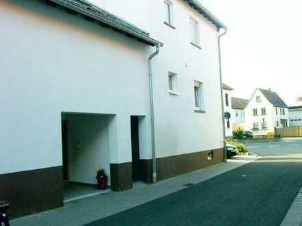 Göllheim/Nähe Rüssingen, attraktives 3-Familien-Haus als Kapitalanlage