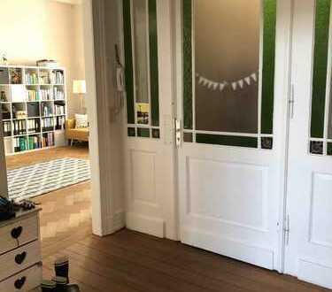 Wunderschöne 5-Zimmer-Altbauetagenwohnung mit Garten in Bonner Südstadt
