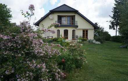 Ein Haus zum Verlieben! Traumhafte Villa im Grünen