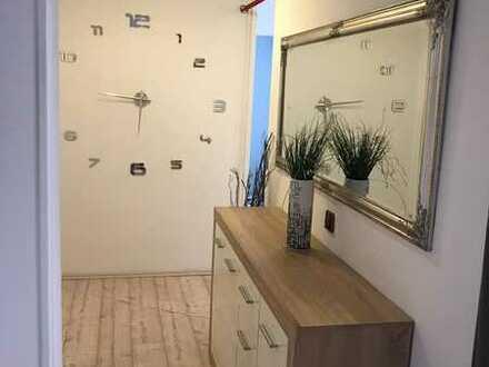 Gepflegte Wohnung mit drei Zimmern und Balkon in Kaiserslautern