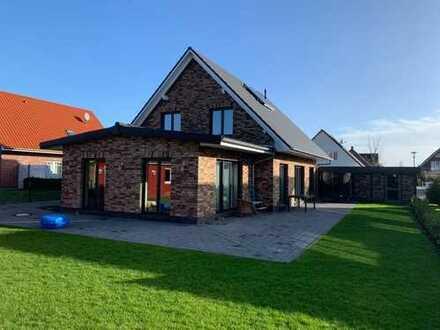 Neuwertiges Einfamilienhaus mit sechs Zimmern und Einbauküche in Geesthacht, Geesthacht