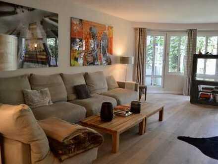 Stilvolle 5-Zimmer-Wohnung mit Balkon in Winterhude