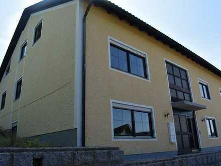Mehrfamilienhaus mit 6 Wohneinheiten in Fuchsberg, Teunz! Vielseitig kombinierbar - solide gebaut.