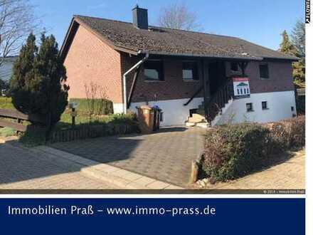 Top-Gelegenheit! Einfamilienhaus mit Einliegerwohnung und sep. Garage in Meddersheim zu verkaufen