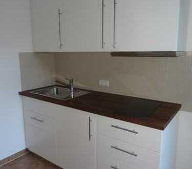Nettes Apartment mit neuer Einbauküche
