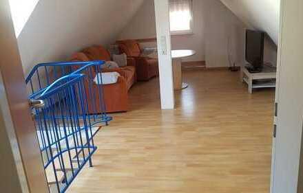 Einfamilienhaus mit Scheunen und Werkstatt in Rieden