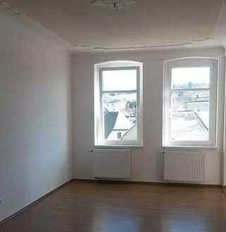 großzügig geschnittene 3-Raum-Wohnung im Herzen von Markneukirchen