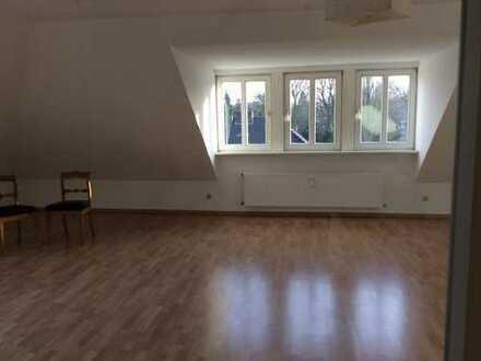 Neuwertige 2-Zimmer-DG-Wohnung mit EBK in Verden (Kreis)
