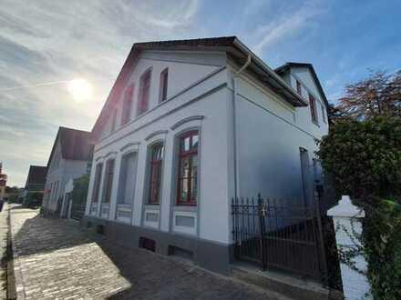 Stadtvilla hochwertig saniert mit Einliegerwohnung im historischen Zentrum von Varel