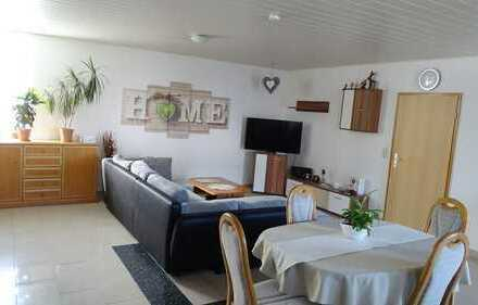 Gepflegte und helle 3-Zimmer-Erdgeschosswohnung mit Einbauküche