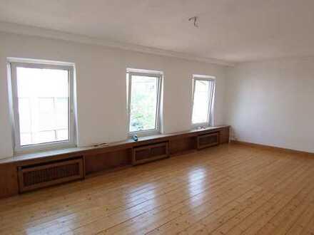 Freundliche 3-Zimmer-Maisonette-Wohnung zur Miete in Bonn