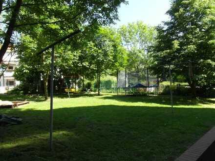 Kinderfreundliches Wohnen in ruhiger Lage, Grünbereich, Balkon, EBK