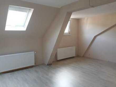 Helle 3-Zimmer-Dachgeschosswohnung mit Einbauküche Lambrecht (Pfalz)